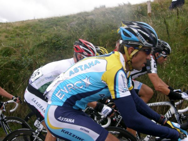 Lance Armstrong One can also see that he did not look under any great pressure on the climb