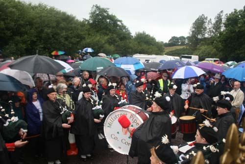 Millstreet Pipe Band attending the 2009 Commemoration Ceremony at Béal na mBláth where this year the weather was so very wet