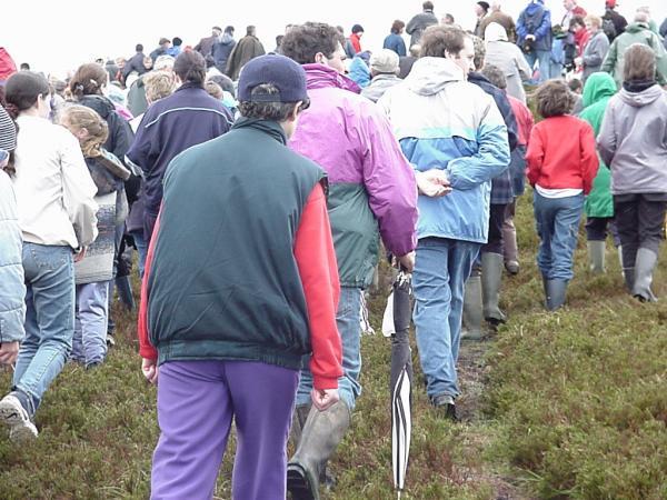 2000-05-21 Clara Mass: Gathering around for the mass