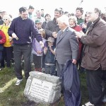 2000-05-21 Clara Mass: Tadgh O'Driscoll unveiling the Commemorative Plaque  - with Fr. John Buckley and Fr. Joe Tarrant