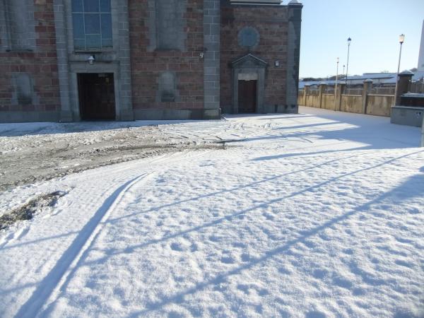 0015-SnowScenesSat18Dec2010-600