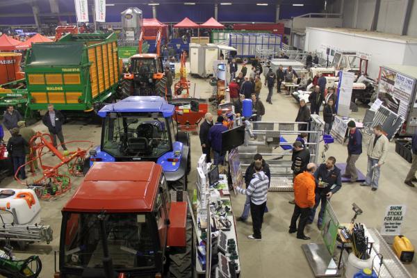 0037-FarmMachineryShow2011