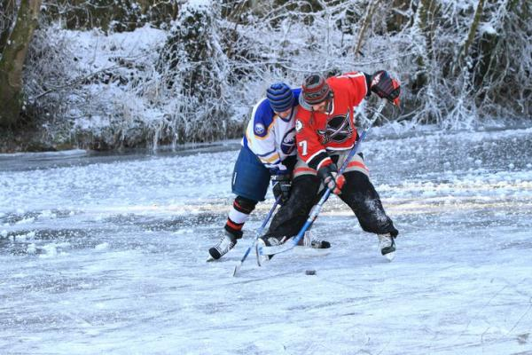 2010-12-25 Ice Hockey in Kanturk 09
