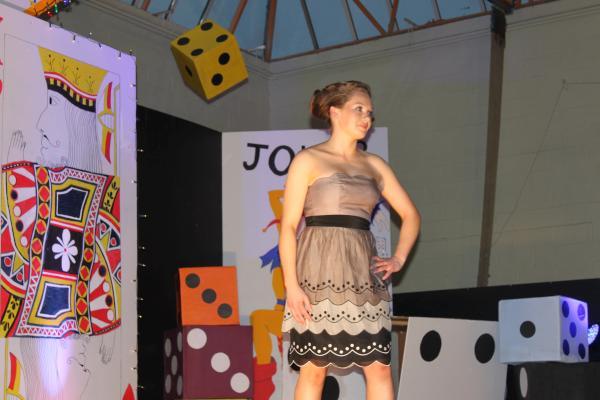0083-FashionShowMCS2011