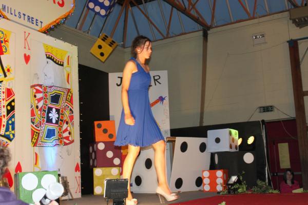 0101-FashionShowMCS2011