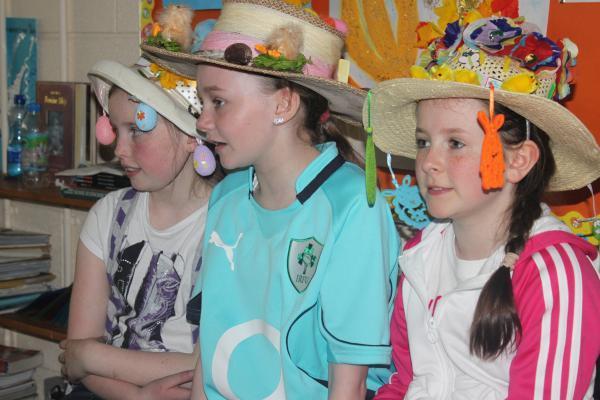 0140-Easter Bonnets 2011