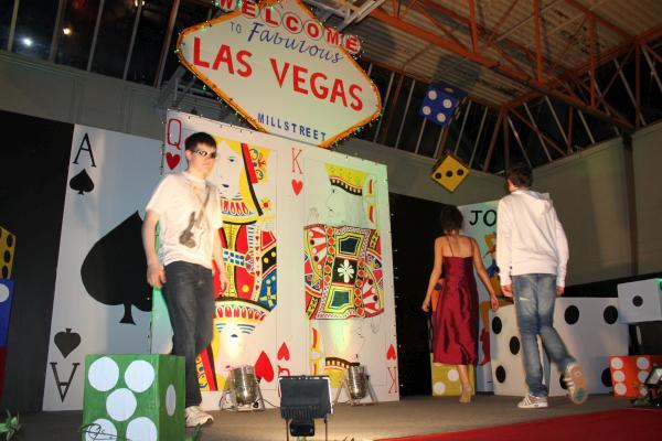 0166-FashionShowMCS2011