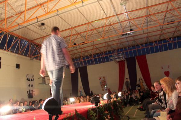 0172-FashionShowMCS2011