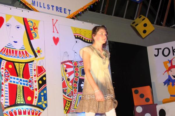 0270-FashionShowMCS2011