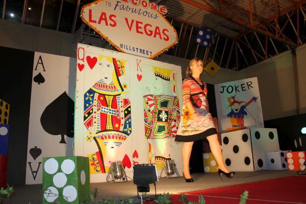 0314-FashionShowMCS2011