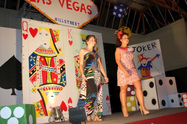 0338-FashionShowMCS2011