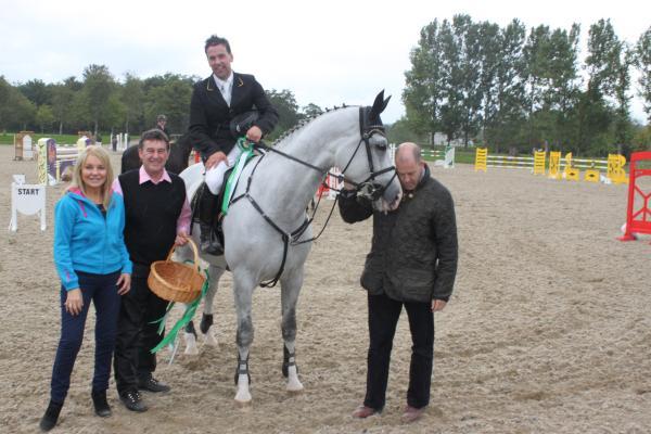 0043-HorseShowFeature1inAug2011