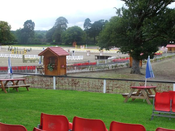 Picturesque Green Glens Prepares for 2011Show