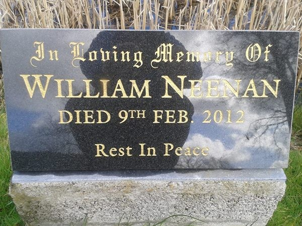 The momorial plaque to Willie Neenan by the reservoir at Mount Leader where he passed away doing the thing he loved - running