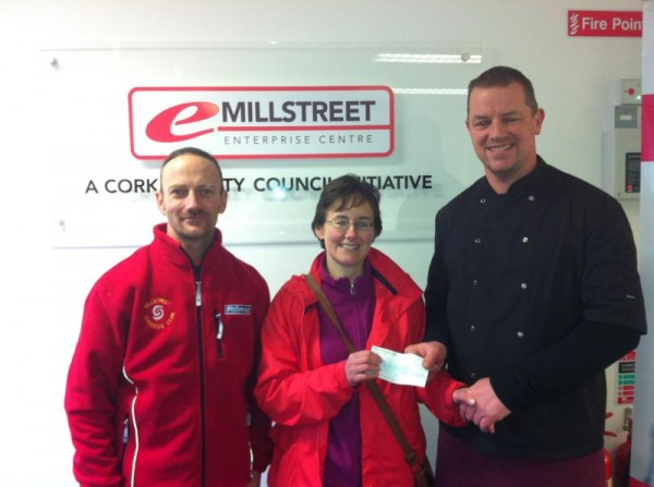 2012-12 Millstreet Development Group Draw winner - Tony McCaul Chairman M D G, Liz Healy Winner of €1,000 and Jerry Pat O Leary Chairman Retail Group M D G