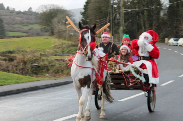 Special transport for Santa as he arrives to a royal welcome in Carriganima this afternoon.  Seán Murphy and members of the LTV2 team were there to record for the Christmas Day Night programme.  More pictures to follow later.  (S.R.)