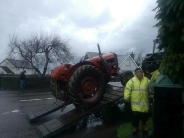2013-01-26 Brendan Murphy's new vintage tractor - WP_000683-800