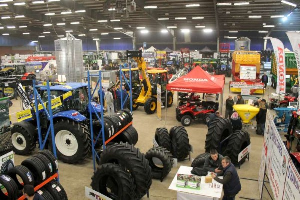 One of the very fine panoramic views of the 2013 Machinery Show at Green Glens currently taking place.
