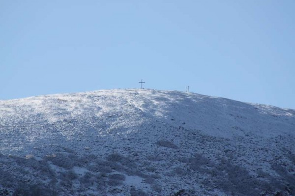 The new Cross is wonderfully contrasted against a snow-capped Clara Mountain today.