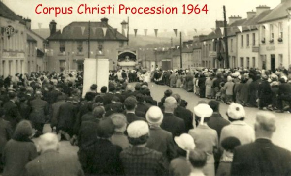 As we prepare to re-open Millstreet Museum at Carnegie Hall now that the key had been officially presented we shall feature images on a regular basis from our Museum Pictorial Archive.   We begin with a wonderful image at The Square, Millstreet on the occasion of the Annual Corpus Christi Procession in 1964.   We're sure that this picture evokes many a special memory for our loyal website visitors.   Please feel more than welcome to share such memories on our comment facility or by email to millstreetmuseum @ eircom.net (without using the spaces).  S.R.