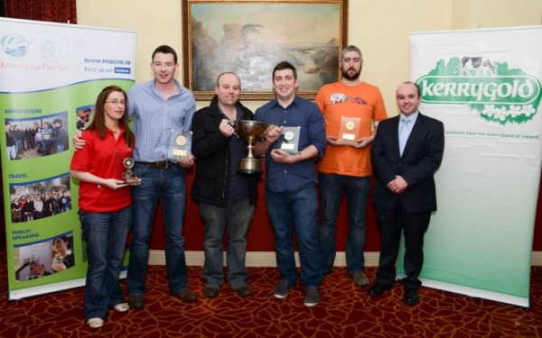 2013-02-24 Millstreet Macra All Ireland Question Time Winners - press photo with trophies-800