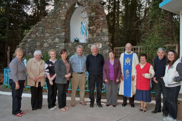 Fr. Kevin Mulcahy celebrated the annual Mass at Tubrid Holy Well especially for Students beginning their examinations this week.  Blessed with superb weather the Mass was well attended in the beautiful setting.   We wish all Students well in their forthcoming examinations.  (S.R.)