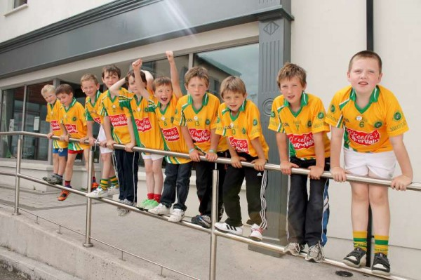 11Supervalu Presentation of Jerseys to Millstreet Juvenile GAA -800