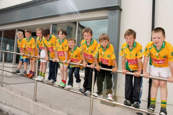 14Supervalu Presentation of Jerseys to Millstreet Juvenile GAA -800