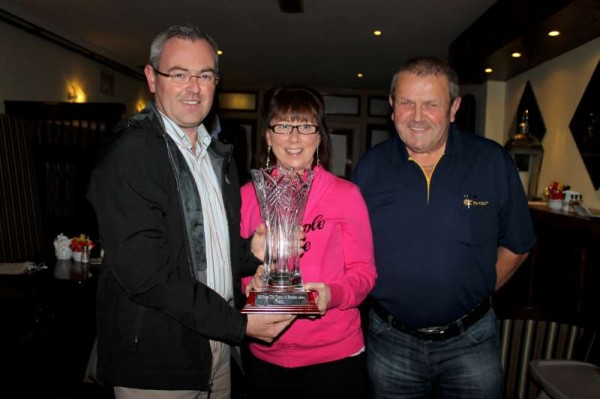 Chairman Derry Sheehan presents the very impressive Tidy Towns 2013 Award for most attractive private residence garden to Teresa and Dan Collins of Tanyard, Millstreet.