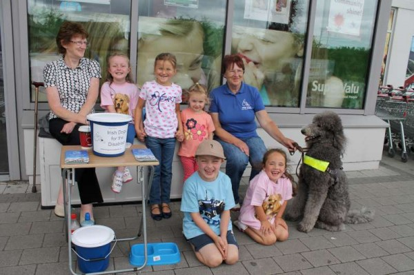 A recent praise-worthy Collection in aid of the Irish Dogs for the Disabled took place outside Supervalu at Minor Row, Millstreet.  Click on the images to enlarge.  (S.R.)