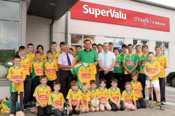 27Supervalu Presentation of Jerseys to Millstreet Juvenile GAA -800