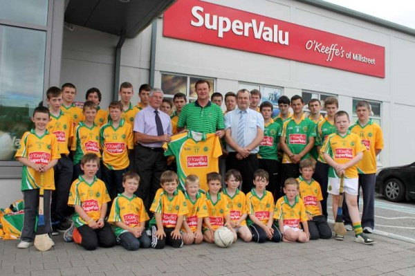 34Supervalu Presentation of Jerseys to Millstreet Juvenile GAA -800