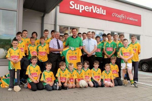 36Supervalu Presentation of Jerseys to Millstreet Juvenile GAA -800