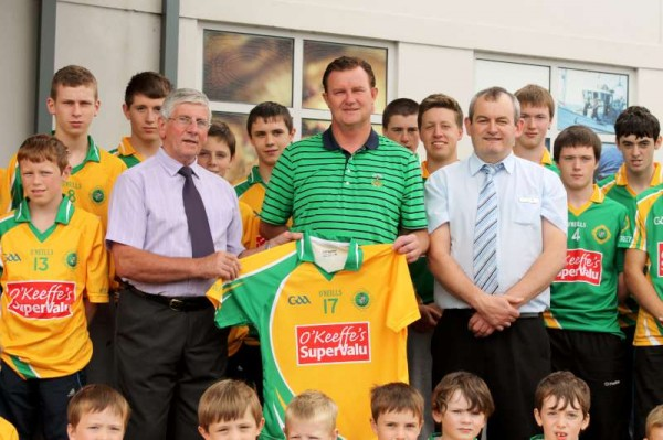 37Supervalu Presentation of Jerseys to Millstreet Juvenile GAA -800