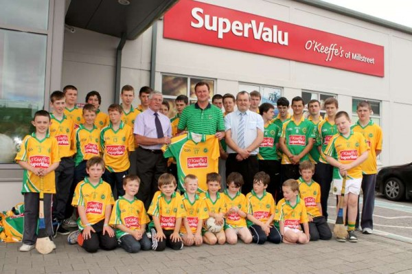 38Supervalu Presentation of Jerseys to Millstreet Juvenile GAA -800