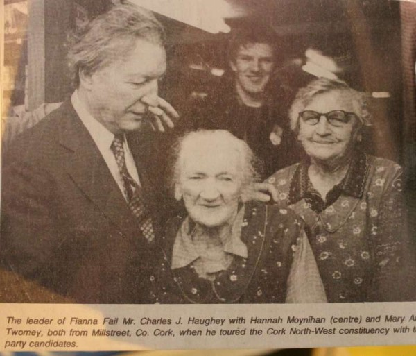 Very special memories of the visit in the 1980s of Charles Haughey to Millstreet when he met members of the Twomey Family of Main Street outside their ever-popular Shop and Restaurant.   Denis Twomey can be seen in the background.  Many thanks to Jerry Lehane for sharing these exquisite images.  (S.R.)