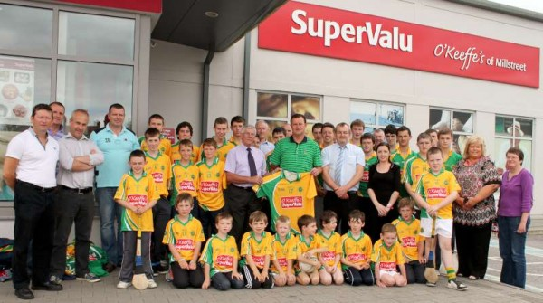 41Supervalu Presentation of Jerseys to Millstreet Juvenile GAA -800