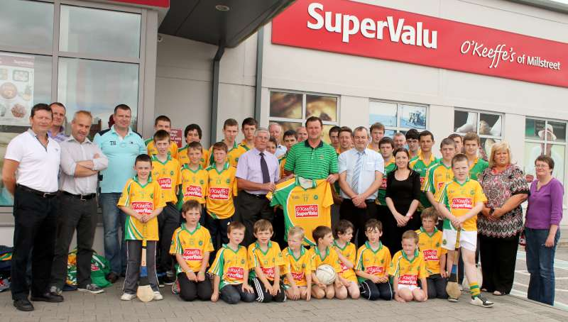 42Supervalu Presentation of Jerseys to Millstreet Juvenile GAA -800