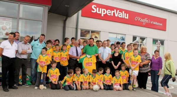 43Supervalu Presentation of Jerseys to Millstreet Juvenile GAA -800