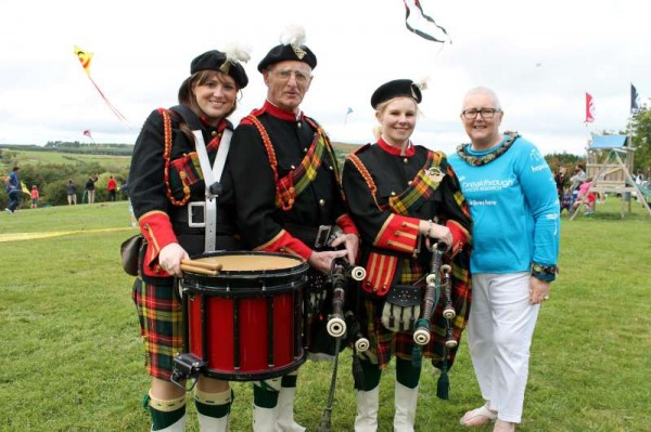 Pictured with members of Millstreet Pipe Band - Joanie Hanley who together with a superb team so excellently organised such a wonderfully successful Kite Fest event at Millstreet Country Park on Sunday, 22nd Sept. 2013.  Click on the images to enlarge.  (S.R.)