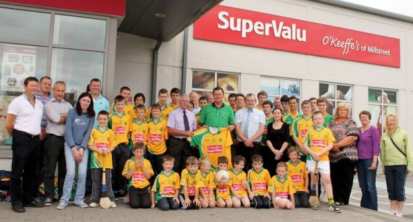 45Supervalu Presentation of Jerseys to Millstreet Juvenile GAA -800