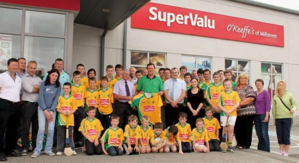 46Supervalu Presentation of Jerseys to Millstreet Juvenile GAA -800