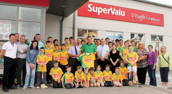 47Supervalu Presentation of Jerseys to Millstreet Juvenile GAA -800