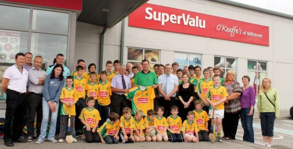49Supervalu Presentation of Jerseys to Millstreet Juvenile GAA -800