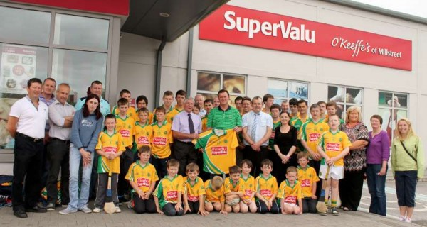 53Supervalu Presentation of Jerseys to Millstreet Juvenile GAA -800