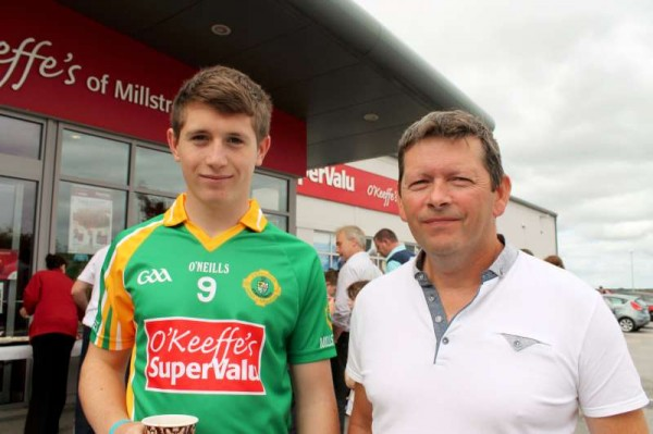 57Supervalu Presentation of Jerseys to Millstreet Juvenile GAA -800