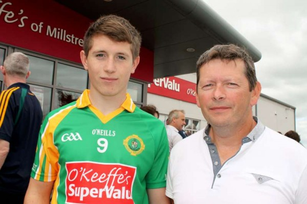 60Supervalu Presentation of Jerseys to Millstreet Juvenile GAA -800