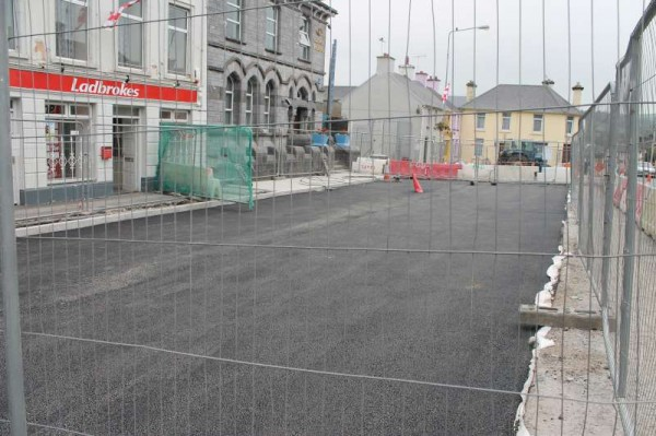 Great progress is evident at the significant street and road developments at The Square, Millstreet.   Click on the images to enlarge.  (S.R.)
