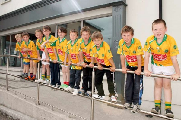 9Supervalu Presentation of Jerseys to Millstreet Juvenile GAA -800