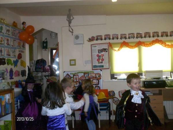5Halloween 2013 at Rathcoole Playschool-800